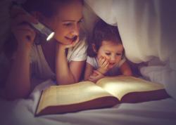 Những cuốn sách hay nên đọc cho bé từ 0–6 tuổi trước giờ đi ngủ