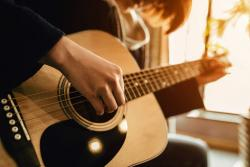 Top 10 cuốn sách dạy đàn Guitar cơ bản cho người mới bắt đầu